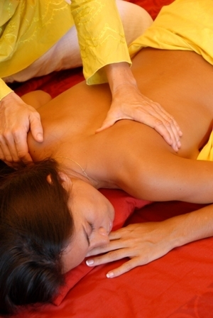 Abhyanga massages 706 893 - gassion.v@gmail.com