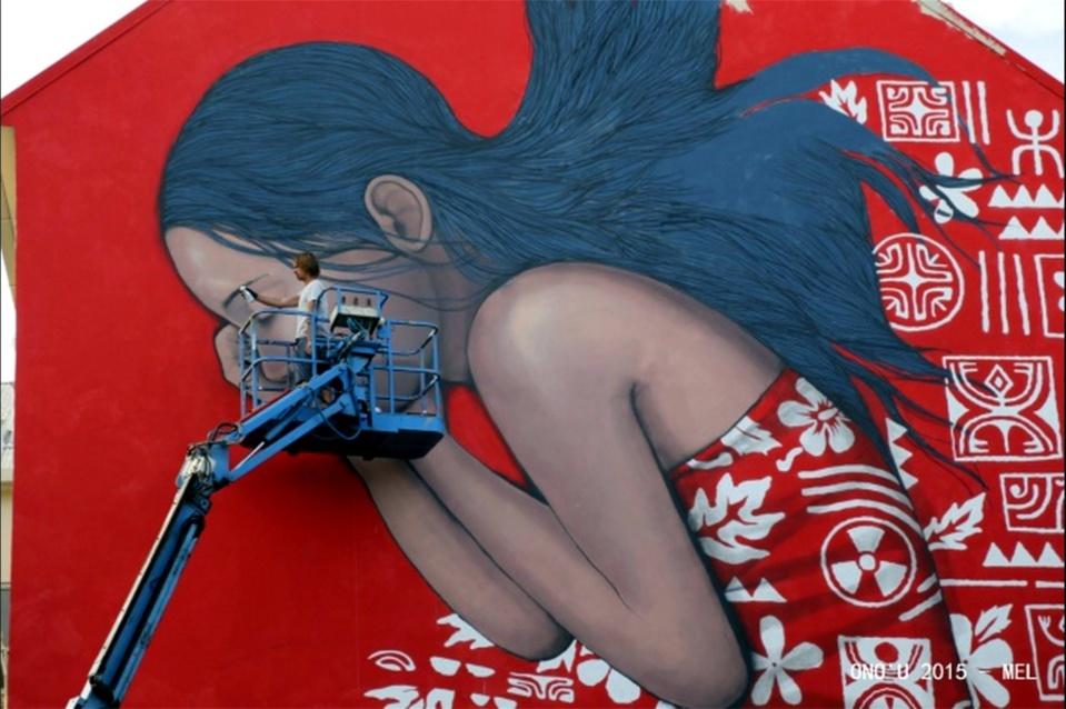 Fresque gros plan - Vahine dormant - Papeete