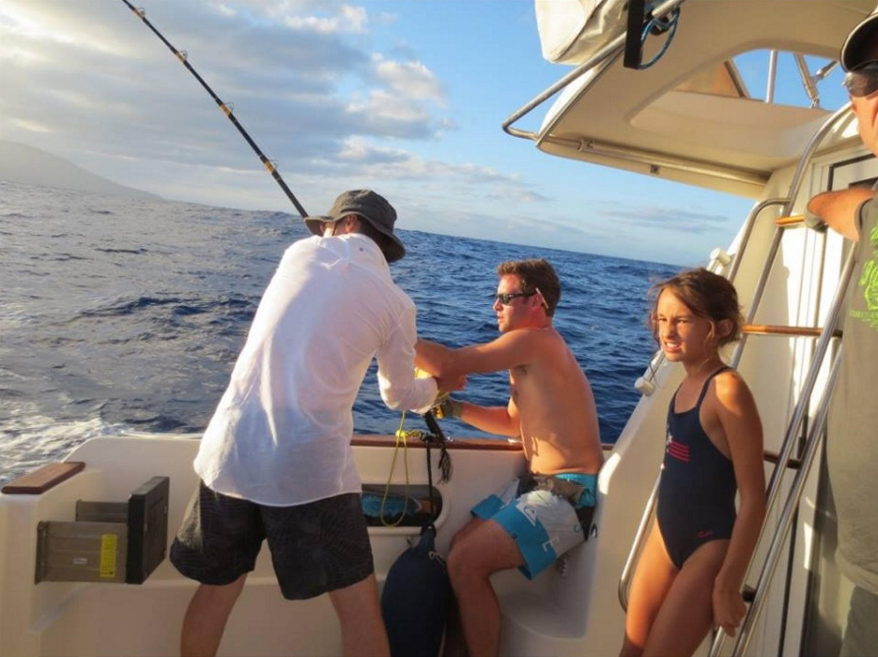 Tahiti Trip Fishing - 87 32 16 31 - sebastien.yves.boulay@mail.pf